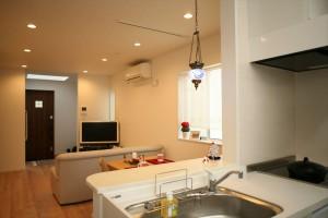 インド風水(ワースツ)を基にキッチンの位置などを配置してもらいました。